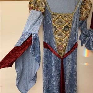 """Costume Halloween gown, """"Guinivere """" princess nwot"""